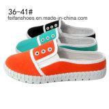 Glissade bon marché de femmes de mode de type neuf sur les chaussures de toile d'injections (XW160611-1)