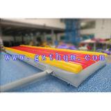 Cojín de aire inflable azul del aire del PVC para los juegos del agua o la aptitud