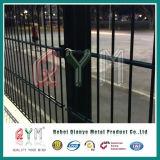 溶接された二重鉄条網のパネルまたは対ワイヤー656平らな網の塀のパネル