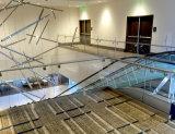 De Balustrade van het Glas van Frameless van de trap met het Kanaal/de Schoen van de Basis van U van het Aluminium