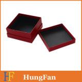 Rectángulo de regalo de papel de empaquetado rojo de lujo con insignia de sellado caliente