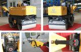 800kg de kleine Hydraulische Handbediende Trillende Wegwals van de Aandrijving (fyl-800C)