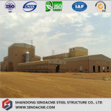 Edificio del granero del marco de acero en granja agrícola