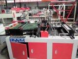Vier Zeilen flacher Beutel, der Maschine herstellt