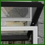 ガラス繊維及びポリエステルによってプリーツをつけられるドアスクリーンの網