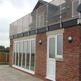 Het openlucht Traliewerk van het Balkon van het Roestvrij staal met Glas