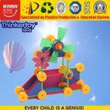 Automobile interessante dei giocattoli educativi meravigliosi delle particelle elementari con i fiori
