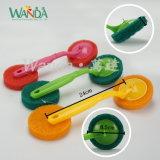 Multi-Color пусковая площадка щетки соскабливая пусковой площадки щетки чистки с ручкой