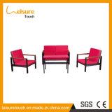 Feuerfeste Sunproof moderne im Freien Garten-Aluminiumaufenthaltsraum-Möbel-preiswertes Sofa stellte mit roten Kissen ein