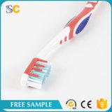 Cepillo de dientes plástico del adulto de la maneta diseño al por mayor de la alta calidad del nuevo