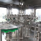 Máquina de rellenar en botella vidrio del jugo