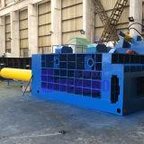 De automatische Pers van het Recycling van het Metaal van het Afval met duw-uit verpakt in balen (fabriek)