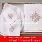 De goedkope In het groot Kleurrijke Handdoek van de Prijs, Katoenen van 100% Badhanddoek, de Reeks van de Handdoek