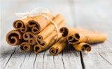 Olio naturale della corteccia di cannella di cura di pelle di 100% con alta cinnamaldeide