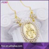 CZ de latón chapado en oro de Zirconia joyas collar con cadena