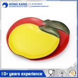 Plaque multicolore de chargeur de vaisselle de mélamine de logo fait sur commande