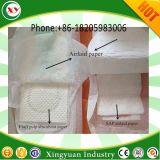 衛生パッド/生理用ナプキンの空気置かれたチィッシュペーパー