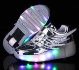 Solos zapatos Shinning del patín de ruedas de la rueda que contellean