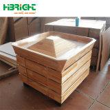 La estructura de madera maciza de metal y estantes de góndola de supermercado