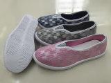 Último projeto mulheres sapatos de lona Injecção Calçado de lazer (FZL712-18)