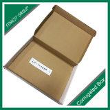 E-Commece Produkte, die Papverpackenkasten packen