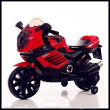 Езда на электрическом мотоцикле для малышей
