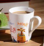 Tasse en céramique promotionnelle de la mode 12oz Corlor avec l'étiquette