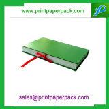 Rectángulo de regalo de empaquetado de papel rígido modificado para requisitos particulares de la cartulina de lujo para la manta del bebé