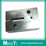 CNC que faz à máquina o vário carboneto de tungstênio da forma que encontra o jogo do bloco