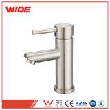 Un seul bassin de la poignée du robinet eau du robinet avec brosse de nickel