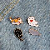 Divisa linda para la ropa, sombrero, bolso del esmalte de los gatos de la historieta