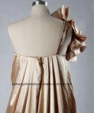 シャンペンは側面Drappedのスカート1の肩のイブニング・ドレスを着色した