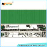 Luva do trabalho da segurança industrial que mergulha a linha de produção da máquina