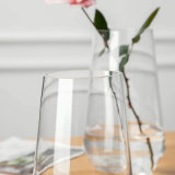 Vaso di vetro saltato bocca