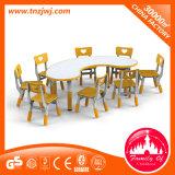 卸し売り託児所の家具の学校のためのプラスチックチェアーテーブル