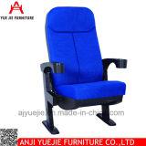 China la fabricación de un diseño simple Portavasos Silla Teatro Yj1808b