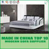 優雅な寝室の本革のベッドの家具