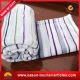 柔らかい綿の子供のためのクイーンサイズの贅沢で厚いフランネルの羊毛毛布