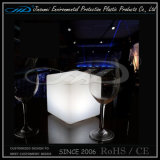 Cubo de plástico Muebles LED para el Hotel Garden Bar