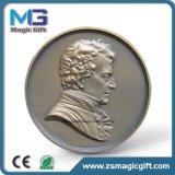 Insigne personnalisé populaire de pièce de monnaie en métal de dessin animé