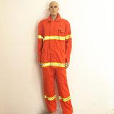 Feuerfestes Funktionsgewebe-flammhemmende Polyester-Arbeitskleidung mit reflektierendem Band