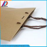 Zak van de Gift van het Document van Kraftpapier van de Fabriek van Guangzhou de Bruine met het Handvat van de Polyester