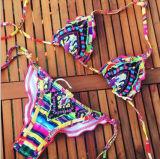 국제적인 여자를 위한 비키니 수영복을 인쇄하는 작풍에 의하여 수를 놓는 꽃