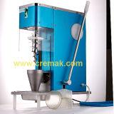 Le tableau Modèle Super tourbillon de la crème glacée avec 2 cônes de la machine