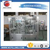 Máquina de rellenar del pequeño jugo de la botella con la función el lavarse, del relleno y el capsular