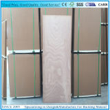 La madera contrachapada plana de la talla del panel de la puerta con la chapa de Okume hizo frente
