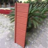 Les matériaux de construction Prix abordable pierre colorée des tuiles du toit de métal