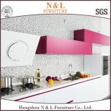 N et L meubles à haute brillance blancs de cuisine avec peu de rose (kc1070)