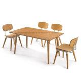 단순한 설계 식당 가구 나무로 되는 테이블 세트