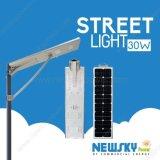 리튬 건전지를 가진 1개의 태양 LED 가로등에서 30W 전부